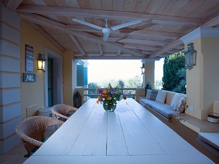 ARIEL-Comfortable and stunning views on top of IL GIARDINO SEGRETO DI PROSPERO - Ipsos vacation rentals