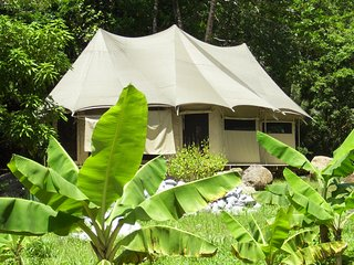 Riverside glamping safari tent - La Plaine vacation rentals