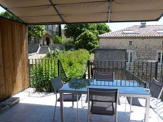 Gite de caractère dans Bastide en pierres (Ardèche) - Casteljau vacation rentals