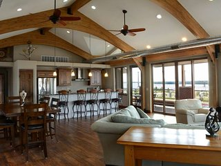 EAGLE'S NEST PENTHOUSE ​w/Private River View Terrace - Alton vacation rentals