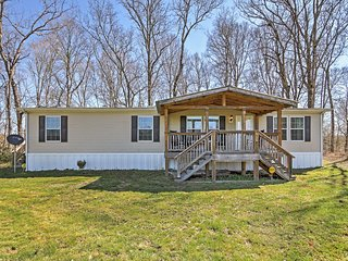 'Piney Cave' Pristine 2BR Dickson House w/Wifi, Gaming Tables, Private Hot Tub & Calming Views from the Spacious Deck - Perfect Location Near the Piney River! 45 Minutes from Nashville! - Dickson vacation rentals