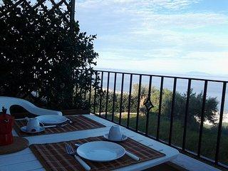 """Casa vacanze """"Colori di Sicilia""""-monolocale - Rodia vacation rentals"""