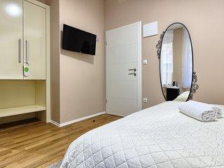 Urban Luxury Rooms****No1 - Split vacation rentals
