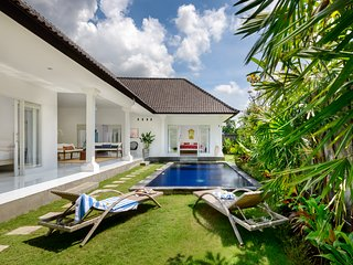 Whitehouse Bali Dua - Canggu vacation rentals