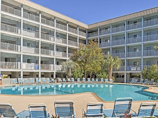 """Breezin' In Villa at Hilton Head Resort"" 2BR w/Renovated Interior, Wifi & Phenomenal Resort Amenities - Direct Beach Access! Close to Several Restaurants, Shops & Parks - Hilton Head vacation rentals"