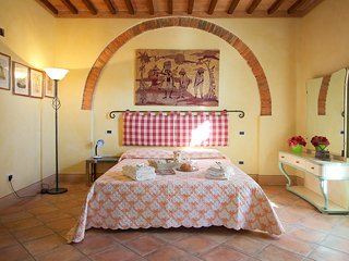 Il Bosco - flat on olive farm with beautiful views and a pool - Montecastello vacation rentals