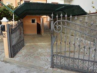 Private suites Stinjan 9665 2-room-suite - Stinjan vacation rentals