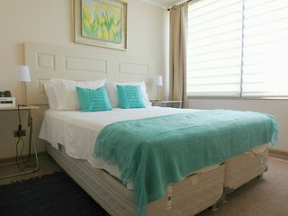 A8 Cozy and stylish 2BD 2BTH up to 6 subway at the front door - Santiago vacation rentals