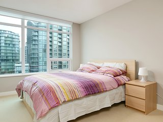 Brand new 2BD 2BA condo in the centre of Richmond - Richmond vacation rentals