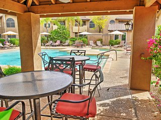 Contemporary 2BR Scottsdale Condo w/Wifi, Private Patio & Access to Multiple Community Pools - Terrific Location! Close to Golf, Shopping, Hiking, Mayo Clinic & More! - Scottsdale vacation rentals
