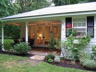 Charming 2 bedroom House in Vineyard Haven - Vineyard Haven vacation rentals