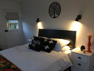 Comfortable Kilbirnie Studio rental with Deck - Kilbirnie vacation rentals
