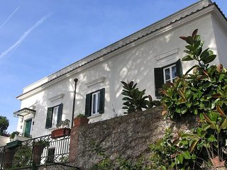 3 bedroom Villa in Vietri sul Mare, Amalfi Coast, Campania, Italy : ref 2135487 - Dragonea vacation rentals