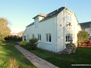 Plum Tree Cottage, Porlock - Modern yet cosy cottage on the outskirts of - Porlock vacation rentals