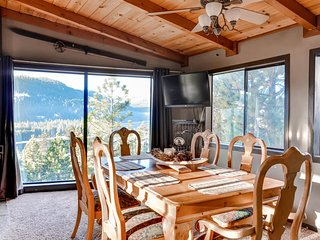 Rustic 3BR Cabin in Truckee, CA - View 4th of July Fireworks on Donner Lake from the Living Room! Close to Sugar Bowl Ski Area - Last minute discounts - Truckee vacation rentals