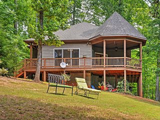 Secluded 1BR Scottsville Cottage w/Wifi, Riverfront Views & Beautiful Gazebo - Easy Access to Outdoor Activities, Wineries, Festivals & More! - Scottsville vacation rentals