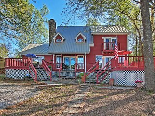 Lovely 4BR Mansfield Home w/Massive Private Deck - Mansfield vacation rentals