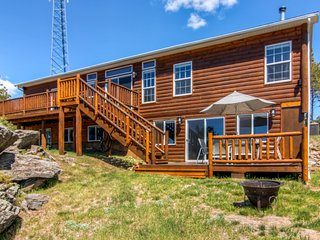 Spacious 4BR Black Hills Property w/Wifi, Gas Grill & Spacious Deck - Near Mt. Rushmore, Crazy Horse, Custer State Park, Harney Peak, Jewel Cave, Wind Cave & Rapid City! - Custer vacation rentals