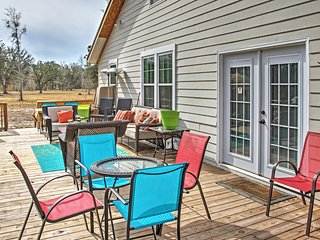Sensational 4BR Midway House w/Large Private Deck - Midway vacation rentals