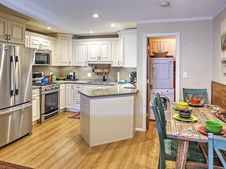 'The Copper Lodge' Brilliant 2BR Red River Townhome w/Wifi, Private Balcony & Tremendous Location Near All the Best Attractions - Walk to Downtown and Marvelous Ski Slopes! - Red River vacation rentals