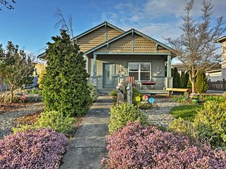 Charming 2BR Birch Bay House w/Wifi, Patio & Lovely English-Style Garden - Walk to the Bay, Restaurants & More! - Birch Bay vacation rentals