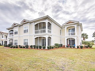 Inviting 4BR Pawleys Island Condo w/Wifi, Private Patio & Wonderful Community Amenities - With Access to a Private Beach, Golf Courses & Parks! - Pawleys Island vacation rentals