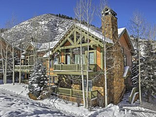 Magnificent 4BR Edwards Ski-In/Ski-Out Townhome w/Wifi, Private Hot Tub & Spectacular Alpine Views - Direct Access to Year-Round Outdoor Activities! Close to Restaurants, Shops & Attractions! - Edwards vacation rentals
