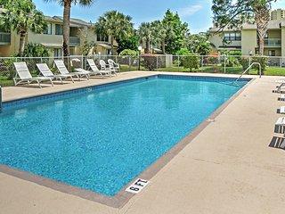 New Listing! Charming 2BR Panama City Beach Townhome w/Wifi & Stunning Lagoon Views - Enjoy the Community Pool, Tennis Courts & Walk to the Beach! - Panama City Beach vacation rentals