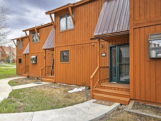 Stunning 2BR Grand Lake Condo w/Gas Fireplace, Giant Private Deck & Panoramic Views of Lake Granby - Only Minutes to Fantastic Local Restaurants & Shores of Grand Lake! Steps from the Clubhouse & Stillwater Grill! - Grand Lake vacation rentals