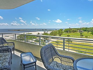 Stunning 2BR Biloxi Ocean Club Condo w/Private Balcony, Complimentary Pool Access and Gorgeous Gulf Views-Short Walk to Beaches, Casinos & More! - Biloxi vacation rentals
