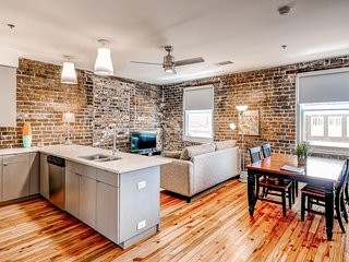 Magnificent 1BR Savannah Condo in the Heart of the Downtown Historic District - Walking Distance to River Street, Forsyth Park & More! - Savannah vacation rentals