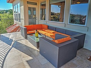 Stunningly Tranquil 4BR Austin House w/Wifi, Large Private Patio & Phenomenal Hill Country Views - Unbeatable Location in the Prestigious Westlake Area! Minutes from Downtown! - Austin vacation rentals