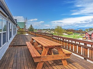 Magnificent 5BR Garden City House w/Wifi, Stunning Lake Views & Spacious Deck w/Patio Furniture - Close Proximity to Beaver Mountain & Outdoor Activities! - Garden City vacation rentals