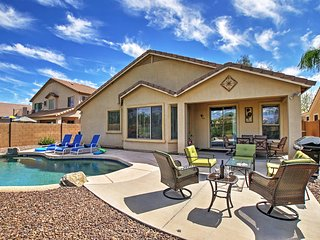 Remarkable 4BR Queen Creek Home w/Wifi, Private Outdoor Pool & Astounding Golf Course Views! Great Location - Easy Access to Recreation, Shopping, Dining & More! - Queen Creek vacation rentals