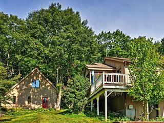 Peaceful 2BR Rockport Townhome w/Private Deck - Rockport vacation rentals