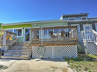 Ideally Located 1BR Navarre Townhome w/Multiple Decks - Steps from the Beach & Close to Numerous Amazing, Family-Friendly Attractions! - Navarre vacation rentals