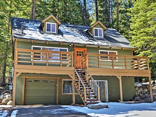 Cozy & Recently Renovated 3-Story, 3BR, 3BA South Lake Tahoe Home w/Wifi - A Private Retreat, Minutes from Skiing & Lake Activities! - South Lake Tahoe vacation rentals