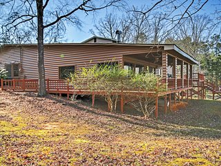 Splendid 3BR Lincolnton House w/Spacious Deck - Lincolnton vacation rentals