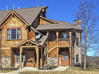 Cozy 2BR Vernon Township Condo w/Cathedral Ceilings, Kitchen & Delightful Interior - Close to the Gorgeous Mountain Creek Resort! - Vernon vacation rentals