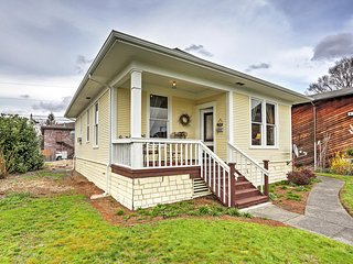 Charming 2BR Marysville Cottage w/Wifi & 2 Covered Porches - Tremendous Location Just 1 Block from Downtown! Close to Casinos, Golf, Shopping, Dining & More! - Marysville vacation rentals
