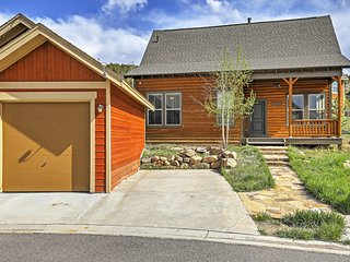 Sensational 3BR Granby House w/Wifi, Patio & Extraordinary Rocky Mountain Views - Amazing Skiing & Hiking Right Outside the Backdoor! - Granby vacation rentals