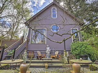 Unique & Charming 2BR Portland Apartment w/Wifi & Beautifully Landscaped Yard! Awesome Location Near Abundant Recreation & Nature - Just 10 Minutes to Downtown Portland! - Portland vacation rentals