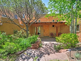 Wonderful 3BR Santa Fe Home w/Stunning Interior, Fireplace & Breathtaking Arroyo Views - 10 Minutes from Historic Santa Fe Plaza! - Santa Fe vacation rentals