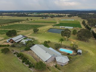 Claremont Cottage - on a vineyard with private pool - Lovedale vacation rentals