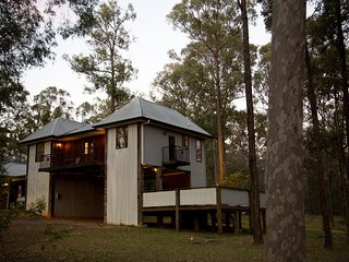Eclectic Vineyard Lodge - contemporary vineyard property - Pokolbin vacation rentals