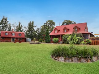 Hunter Valley Lodge and Retreat - Magnificent Lodge - Pokolbin vacation rentals