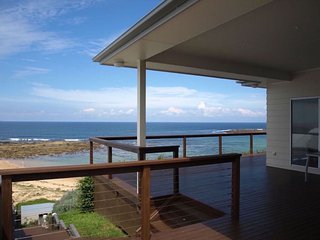 Talinga, absolute beachfront with panoramic views - Toowoon Bay vacation rentals