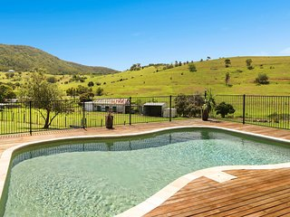 Tharah - Luxury Mountain View Estate - Mount View vacation rentals