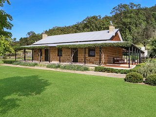 The Glen - Stunning sandstone cottage - Wollombi vacation rentals