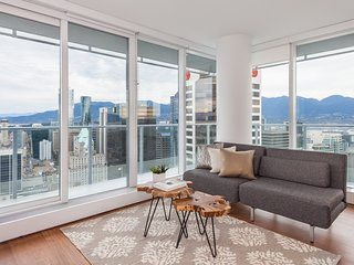 Panoramic Water City View Corner Junior Penthouse Home - Vancouver vacation rentals